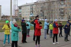 """В Лесосибирске полицейские провели """"Зарядку со стражем порядка"""""""
